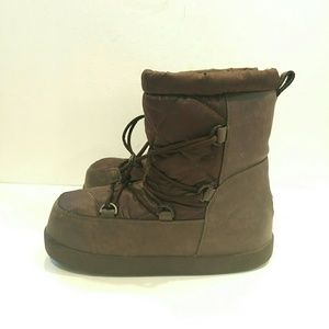 Ugg Noeme Boot kids size 5